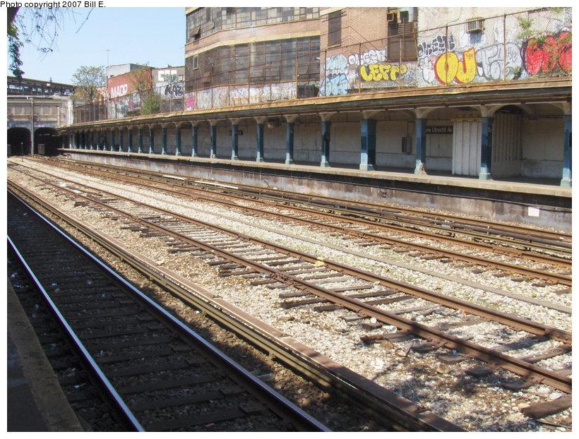 (173k, 820x622)<br><b>Country:</b> United States<br><b>City:</b> New York<br><b>System:</b> New York City Transit<br><b>Line:</b> BMT Sea Beach Line<br><b>Location:</b> New Utrecht Avenue <br><b>Photo by:</b> Bill E.<br><b>Date:</b> 5/13/2007<br><b>Viewed (this week/total):</b> 0 / 1544