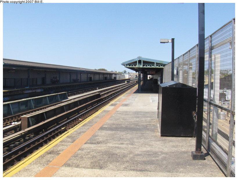 (116k, 820x622)<br><b>Country:</b> United States<br><b>City:</b> New York<br><b>System:</b> New York City Transit<br><b>Line:</b> BMT West End Line<br><b>Location:</b> 79th Street <br><b>Photo by:</b> Bill E.<br><b>Date:</b> 5/13/2007<br><b>Viewed (this week/total):</b> 2 / 1450
