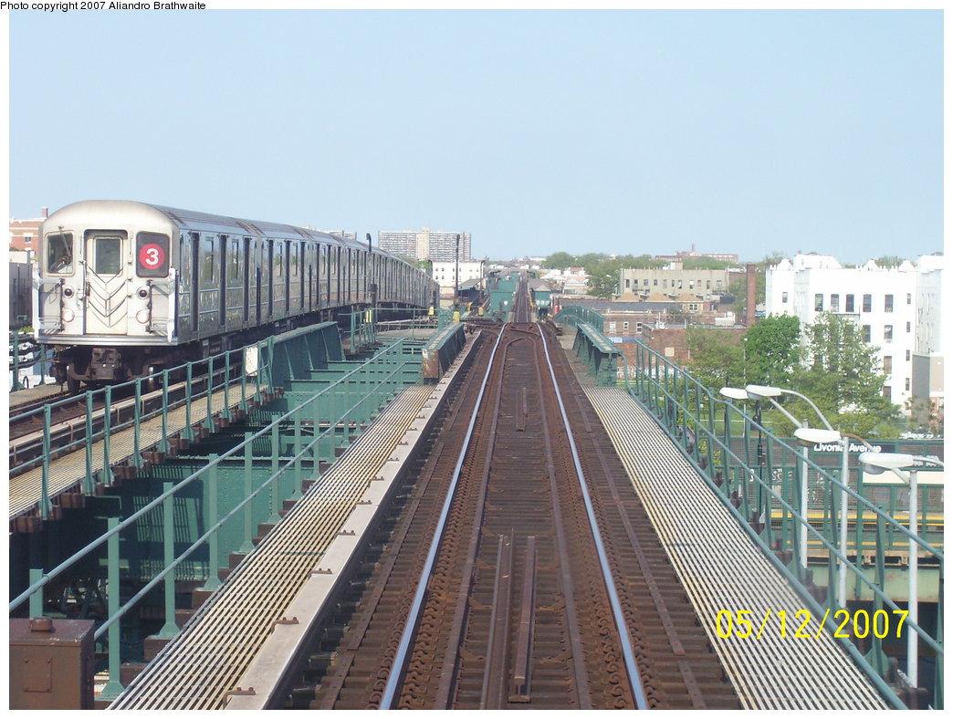 (204k, 1044x788)<br><b>Country:</b> United States<br><b>City:</b> New York<br><b>System:</b> New York City Transit<br><b>Line:</b> IRT Brooklyn Line<br><b>Location:</b> Junius Street <br><b>Route:</b> 3<br><b>Car:</b> R-62 (Kawasaki, 1983-1985)  1485 <br><b>Photo by:</b> Aliandro Brathwaite<br><b>Date:</b> 5/12/2007<br><b>Viewed (this week/total):</b> 0 / 3527