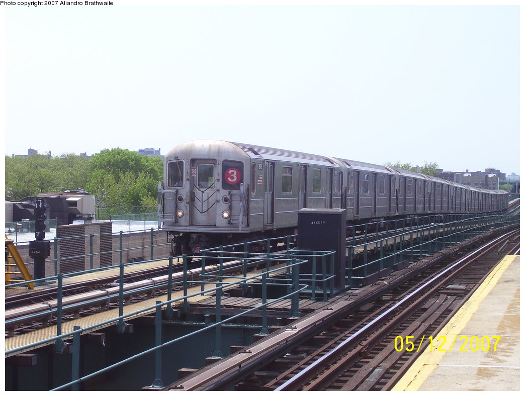 (174k, 1044x788)<br><b>Country:</b> United States<br><b>City:</b> New York<br><b>System:</b> New York City Transit<br><b>Line:</b> IRT Brooklyn Line<br><b>Location:</b> Van Siclen Avenue <br><b>Route:</b> 3<br><b>Car:</b> R-62A (Bombardier, 1984-1987)  1918 <br><b>Photo by:</b> Aliandro Brathwaite<br><b>Date:</b> 5/12/2007<br><b>Viewed (this week/total):</b> 2 / 2421