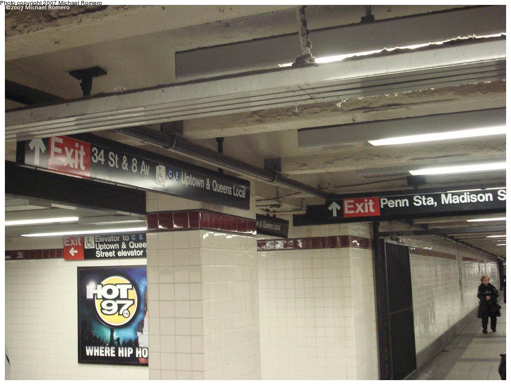 (196k, 1044x788)<br><b>Country:</b> United States<br><b>City:</b> New York<br><b>System:</b> New York City Transit<br><b>Line:</b> IND 8th Avenue Line<br><b>Location:</b> 34th Street/Penn Station <br><b>Photo by:</b> Michael Romero<br><b>Date:</b> 4/29/2007<br><b>Notes:</b> View of transfer corridor.<br><b>Viewed (this week/total):</b> 3 / 2449