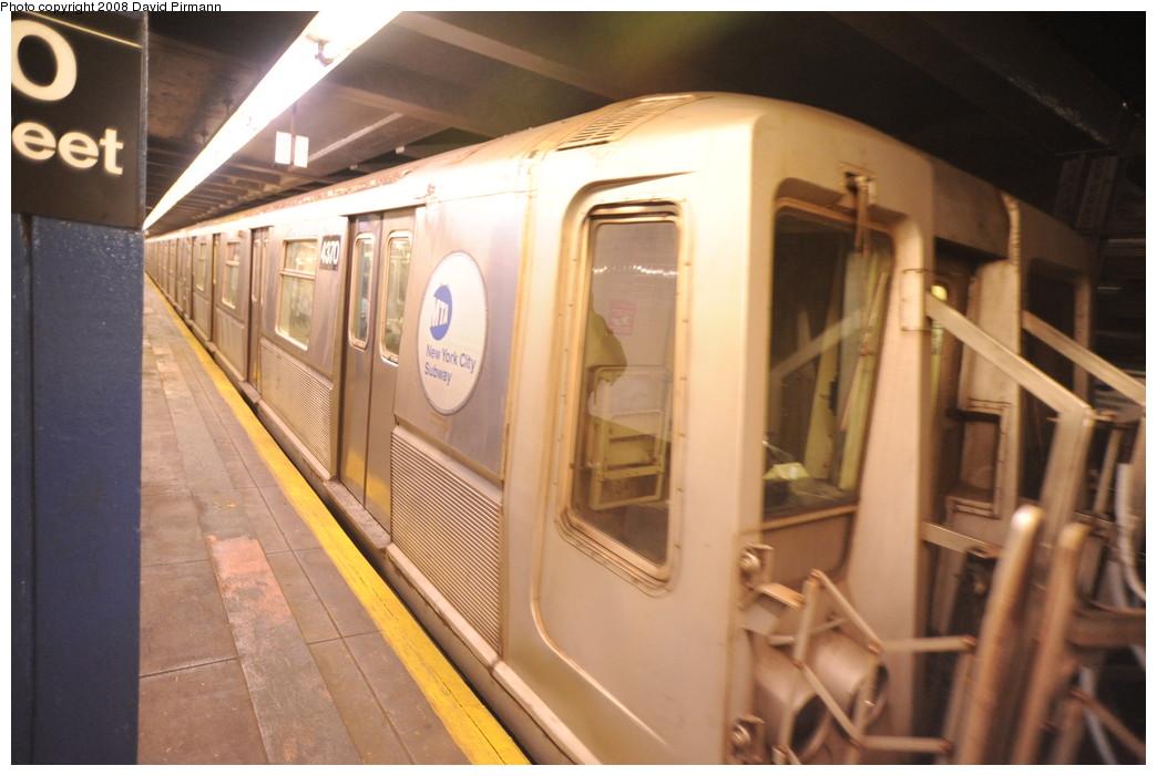 (228k, 1044x701)<br><b>Country:</b> United States<br><b>City:</b> New York<br><b>System:</b> New York City Transit<br><b>Line:</b> IND 8th Avenue Line<br><b>Location:</b> 110th Street/Cathedral Parkway <br><b>Route:</b> B<br><b>Car:</b> R-40 (St. Louis, 1968)  4370 <br><b>Photo by:</b> David Pirmann<br><b>Date:</b> 8/27/2008<br><b>Viewed (this week/total):</b> 0 / 2244