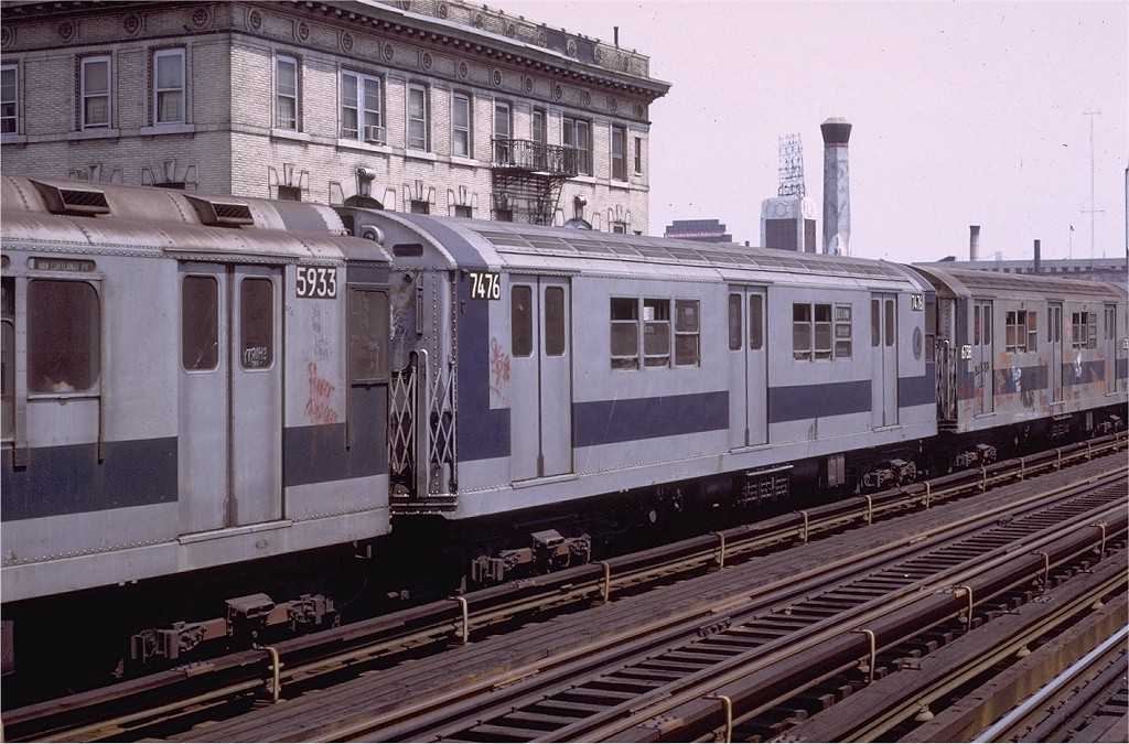 (222k, 1024x675)<br><b>Country:</b> United States<br><b>City:</b> New York<br><b>System:</b> New York City Transit<br><b>Line:</b> IRT West Side Line<br><b>Location:</b> 125th Street <br><b>Route:</b> 1<br><b>Car:</b> R-22 (St. Louis, 1957-58) 7476 <br><b>Photo by:</b> Joe Testagrose<br><b>Date:</b> 6/4/1972<br><b>Viewed (this week/total):</b> 1 / 1670