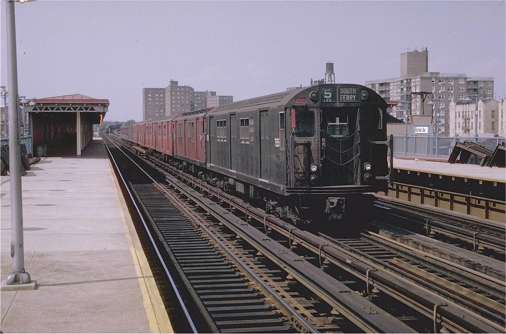 (237k, 1024x676)<br><b>Country:</b> United States<br><b>City:</b> New York<br><b>System:</b> New York City Transit<br><b>Line:</b> IRT White Plains Road Line<br><b>Location:</b> Burke Avenue <br><b>Route:</b> 5<br><b>Car:</b> R-22 (St. Louis, 1957-58) 7535 <br><b>Photo by:</b> Joe Testagrose<br><b>Date:</b> 7/12/1970<br><b>Viewed (this week/total):</b> 4 / 2576