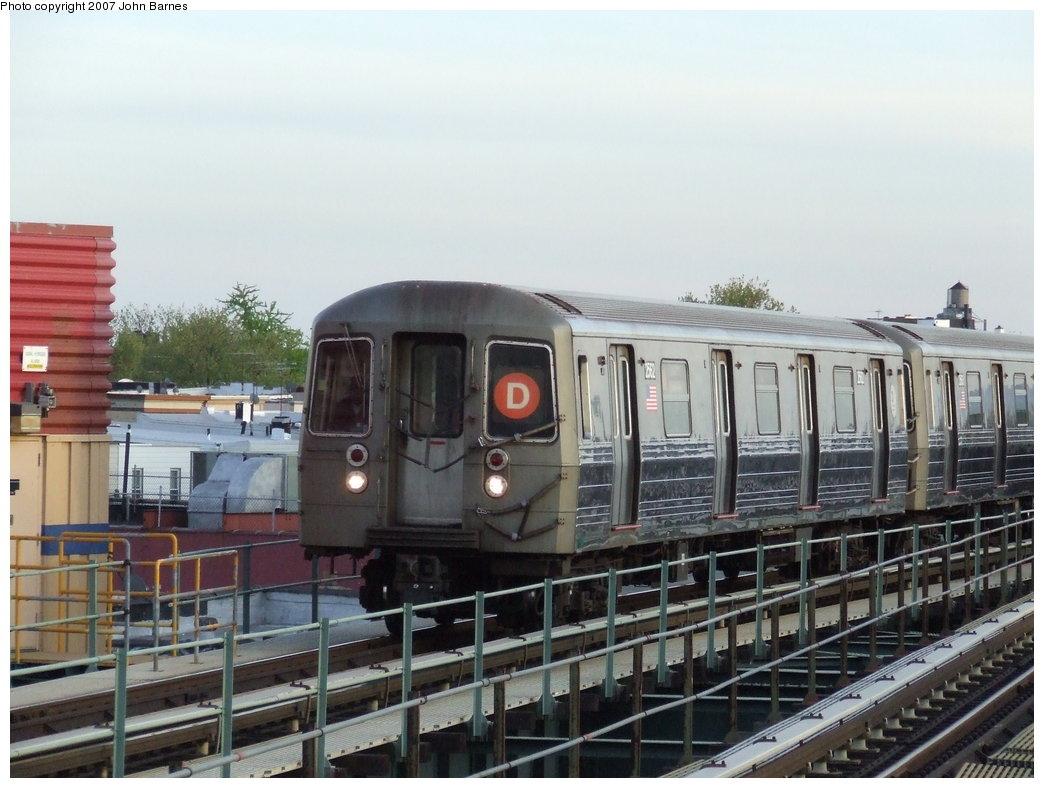(165k, 1044x788)<br><b>Country:</b> United States<br><b>City:</b> New York<br><b>System:</b> New York City Transit<br><b>Line:</b> BMT West End Line<br><b>Location:</b> 62nd Street <br><b>Route:</b> D<br><b>Car:</b> R-68 (Westinghouse-Amrail, 1986-1988)  2562 <br><b>Photo by:</b> John Barnes<br><b>Date:</b> 5/7/2007<br><b>Viewed (this week/total):</b> 3 / 2134