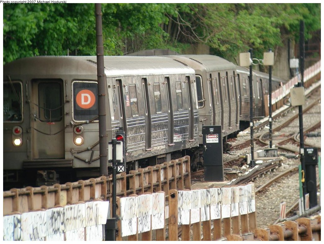 (211k, 1044x788)<br><b>Country:</b> United States<br><b>City:</b> New York<br><b>System:</b> New York City Transit<br><b>Line:</b> BMT West End Line<br><b>Location:</b> 9th Avenue <br><b>Route:</b> D<br><b>Car:</b> R-68 (Westinghouse-Amrail, 1986-1988)  2780 <br><b>Photo by:</b> Michael Hodurski<br><b>Date:</b> 5/12/2007<br><b>Viewed (this week/total):</b> 0 / 2368