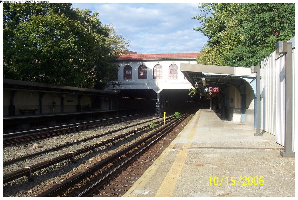 (257k, 1044x702)<br><b>Country:</b> United States<br><b>City:</b> New York<br><b>System:</b> New York City Transit<br><b>Line:</b> IRT Dyre Ave. Line<br><b>Location:</b> Morris Park <br><b>Photo by:</b> Ukaseme<br><b>Date:</b> 10/15/2006<br><b>Viewed (this week/total):</b> 0 / 2800