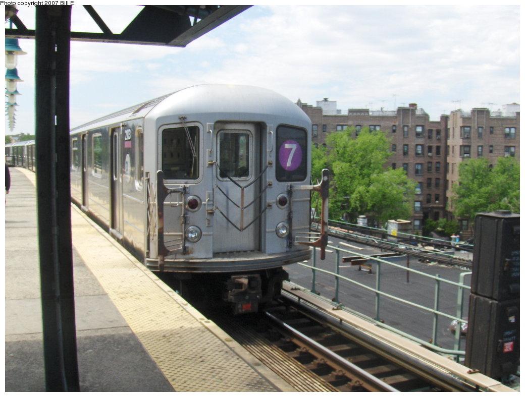(153k, 1040x787)<br><b>Country:</b> United States<br><b>City:</b> New York<br><b>System:</b> New York City Transit<br><b>Line:</b> IRT Flushing Line<br><b>Location:</b> 61st Street/Woodside <br><b>Route:</b> 7<br><b>Car:</b> R-62A (Bombardier, 1984-1987)  2013 <br><b>Photo by:</b> Bill E.<br><b>Date:</b> 5/20/2007<br><b>Viewed (this week/total):</b> 1 / 1842