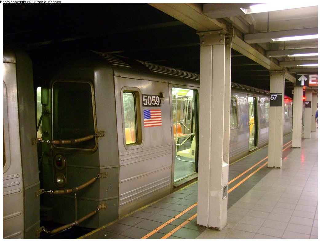 (153k, 1044x788)<br><b>Country:</b> United States<br><b>City:</b> New York<br><b>System:</b> New York City Transit<br><b>Line:</b> BMT Broadway Line<br><b>Location:</b> 57th Street <br><b>Route:</b> N<br><b>Car:</b> R-68A (Kawasaki, 1988-1989)  5059 <br><b>Photo by:</b> Pablo Maneiro<br><b>Date:</b> 5/17/2007<br><b>Viewed (this week/total):</b> 0 / 3533