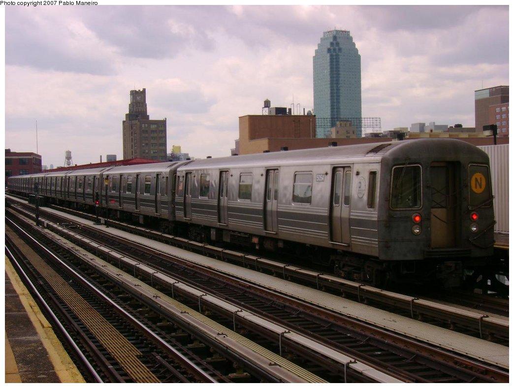 (173k, 1044x788)<br><b>Country:</b> United States<br><b>City:</b> New York<br><b>System:</b> New York City Transit<br><b>Line:</b> BMT Astoria Line<br><b>Location:</b> 39th/Beebe Aves. <br><b>Route:</b> N<br><b>Car:</b> R-68A (Kawasaki, 1988-1989)  5054 <br><b>Photo by:</b> Pablo Maneiro<br><b>Date:</b> 5/17/2007<br><b>Viewed (this week/total):</b> 0 / 1675