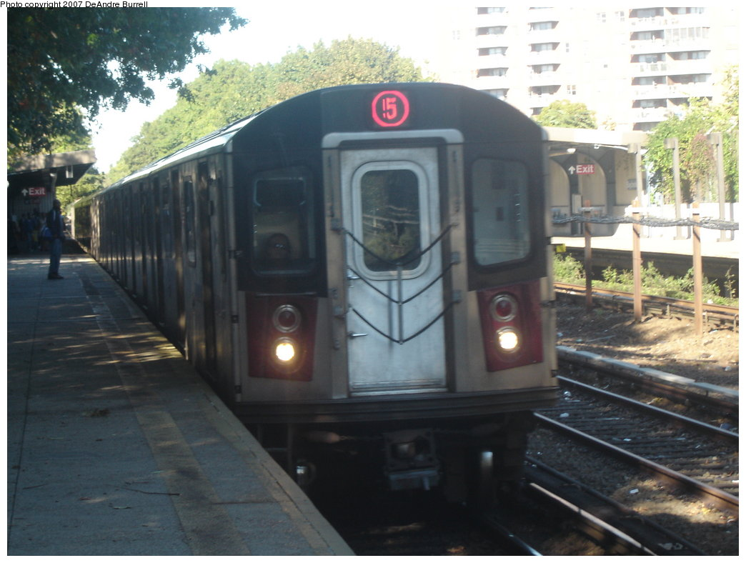 (162k, 1044x788)<br><b>Country:</b> United States<br><b>City:</b> New York<br><b>System:</b> New York City Transit<br><b>Line:</b> IRT Dyre Ave. Line<br><b>Location:</b> Baychester Avenue <br><b>Route:</b> 5<br><b>Car:</b> R-142 or R-142A (Number Unknown)  <br><b>Photo by:</b> DeAndre Burrell<br><b>Date:</b> 10/8/2006<br><b>Viewed (this week/total):</b> 1 / 2694