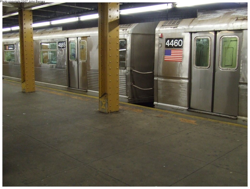 (152k, 1044x788)<br><b>Country:</b> United States<br><b>City:</b> New York<br><b>System:</b> New York City Transit<br><b>Line:</b> IND 8th Avenue Line<br><b>Location:</b> 145th Street <br><b>Route:</b> B<br><b>Car:</b> R-42 (St. Louis, 1969-1970)  4665 <br><b>Photo by:</b> John Barnes<br><b>Date:</b> 5/18/2007<br><b>Notes:</b> Mismated with R40M 4469.<br><b>Viewed (this week/total):</b> 2 / 2899