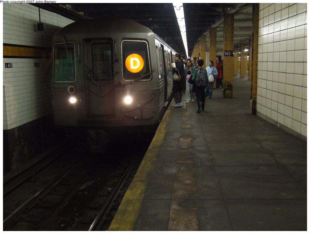(138k, 1044x788)<br><b>Country:</b> United States<br><b>City:</b> New York<br><b>System:</b> New York City Transit<br><b>Line:</b> IND 8th Avenue Line<br><b>Location:</b> 145th Street <br><b>Route:</b> D<br><b>Car:</b> R-68 (Westinghouse-Amrail, 1986-1988)  2584 <br><b>Photo by:</b> John Barnes<br><b>Date:</b> 5/18/2007<br><b>Viewed (this week/total):</b> 1 / 3134