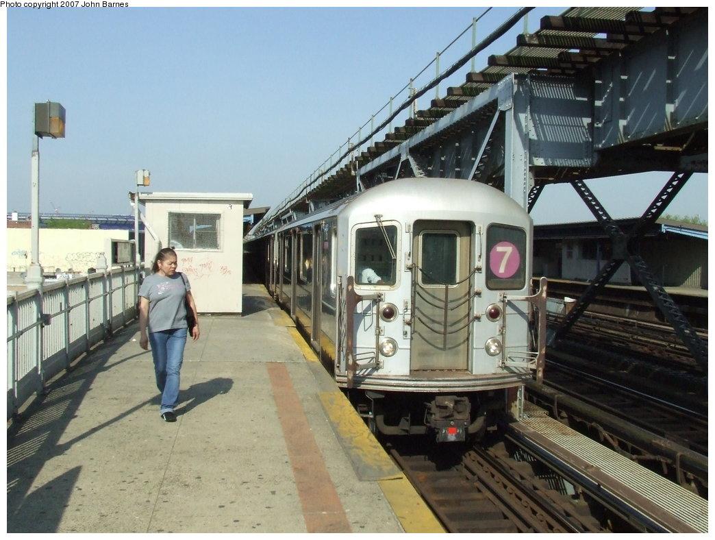 (182k, 1044x788)<br><b>Country:</b> United States<br><b>City:</b> New York<br><b>System:</b> New York City Transit<br><b>Line:</b> IRT Flushing Line<br><b>Location:</b> 111th Street <br><b>Route:</b> 7<br><b>Car:</b> R-62A (Bombardier, 1984-1987)  1716 <br><b>Photo by:</b> John Barnes<br><b>Date:</b> 5/15/2007<br><b>Viewed (this week/total):</b> 1 / 2657