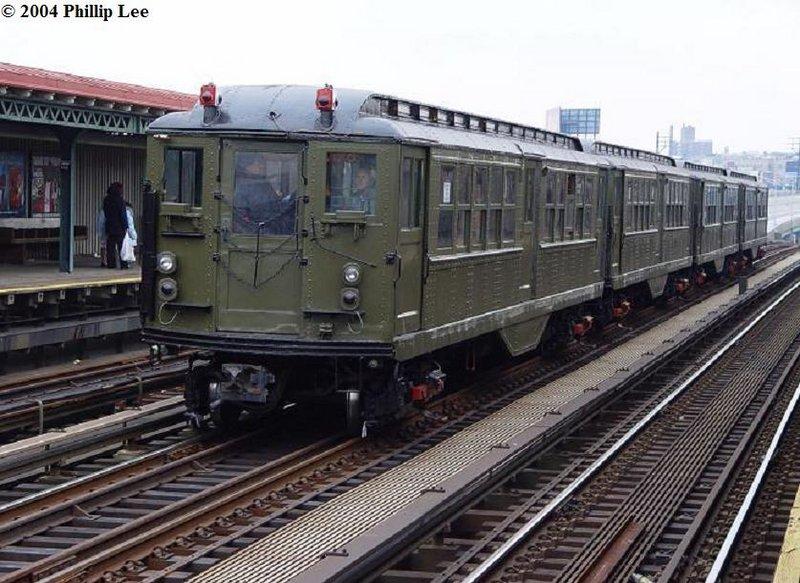 (112k, 800x583)<br><b>Country:</b> United States<br><b>City:</b> New York<br><b>System:</b> New York City Transit<br><b>Line:</b> IRT Pelham Line<br><b>Location:</b> Whitlock Avenue <br><b>Route:</b> Fan Trip<br><b>Car:</b> Low-V (Museum Train)  <br><b>Photo by:</b> Phillip Lee<br><b>Date:</b> 12/19/2004<br><b>Viewed (this week/total):</b> 0 / 1568