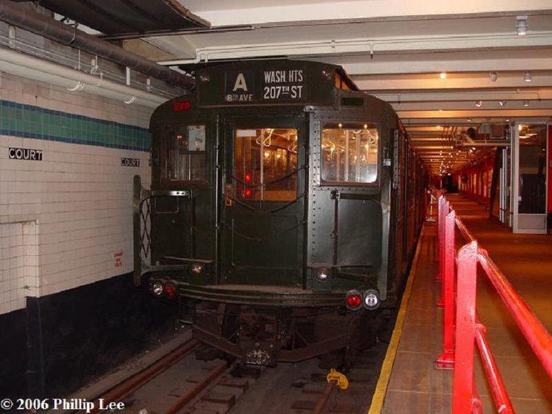 (91k, 800x600)<br><b>Country:</b> United States<br><b>City:</b> New York<br><b>System:</b> New York City Transit<br><b>Location:</b> New York Transit Museum<br><b>Car:</b> R-1 (American Car & Foundry, 1930-1931) 100 <br><b>Photo by:</b> Phillip Lee<br><b>Date:</b> 3/24/2006<br><b>Viewed (this week/total):</b> 2 / 3105