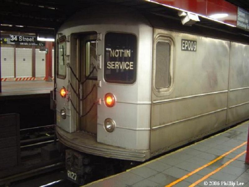 (71k, 800x600)<br><b>Country:</b> United States<br><b>City:</b> New York<br><b>System:</b> New York City Transit<br><b>Line:</b> BMT Broadway Line<br><b>Location:</b> 34th Street/Herald Square <br><b>Route:</b> Work Service<br><b>Car:</b> R-127/R-134 (Kawasaki, 1991-1996) EP009 <br><b>Photo by:</b> Phillip Lee<br><b>Date:</b> 2/1/2006<br><b>Viewed (this week/total):</b> 5 / 3039
