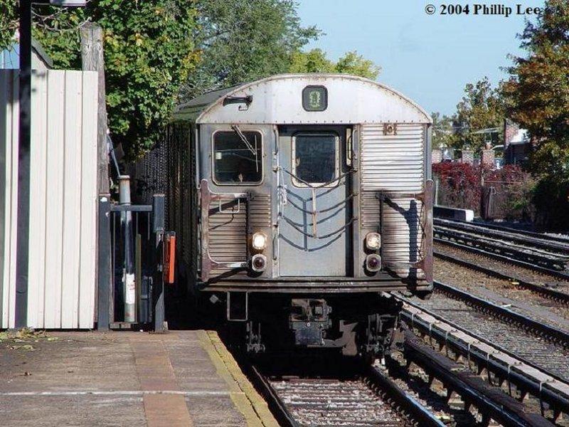 (137k, 800x600)<br><b>Country:</b> United States<br><b>City:</b> New York<br><b>System:</b> New York City Transit<br><b>Line:</b> BMT Brighton Line<br><b>Location:</b> Avenue U <br><b>Route:</b> Q<br><b>Car:</b> R-32 (Budd, 1964)   <br><b>Photo by:</b> Phillip Lee<br><b>Date:</b> 10/24/2004<br><b>Viewed (this week/total):</b> 1 / 3795