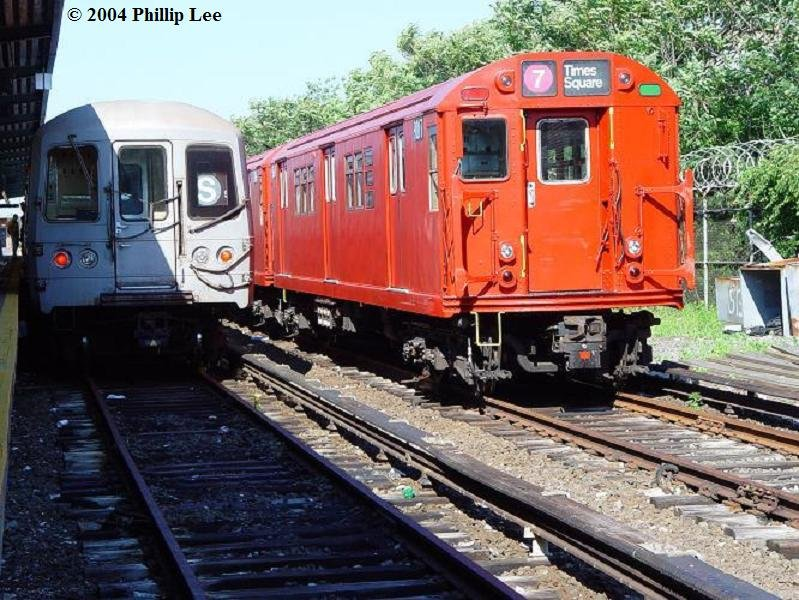 (119k, 799x600)<br><b>Country:</b> United States<br><b>City:</b> New York<br><b>System:</b> New York City Transit<br><b>Location:</b> Rockaway Park Yard<br><b>Route:</b> Fan Trip<br><b>Car:</b> R-33 Main Line (St. Louis, 1962-63) 9017 <br><b>Photo by:</b> Phillip Lee<br><b>Date:</b> 6/19/2004<br><b>Viewed (this week/total):</b> 0 / 2037