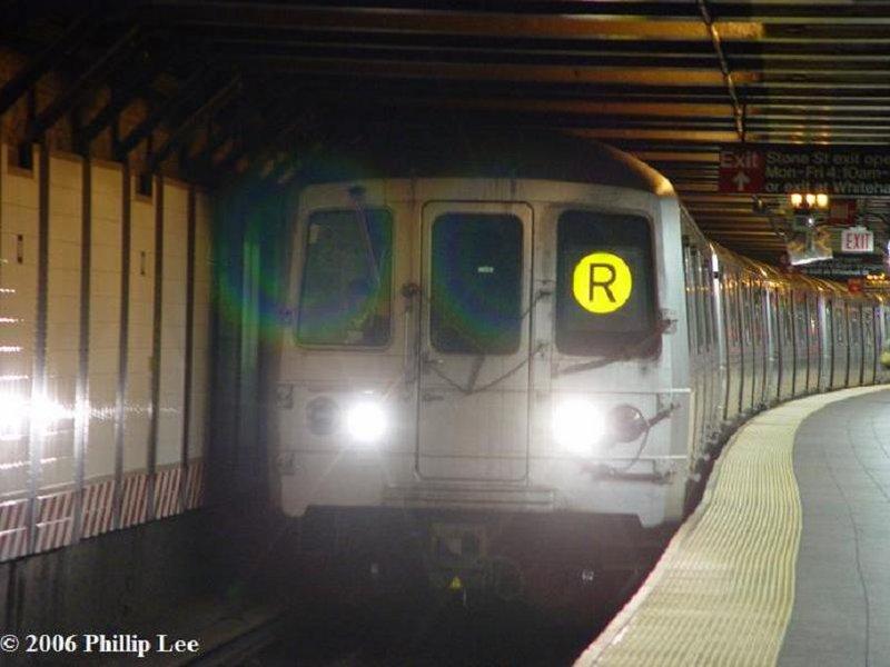 (70k, 800x600)<br><b>Country:</b> United States<br><b>City:</b> New York<br><b>System:</b> New York City Transit<br><b>Line:</b> BMT Broadway Line<br><b>Location:</b> Whitehall Street <br><b>Route:</b> R<br><b>Car:</b> R-46 (Pullman-Standard, 1974-75)  <br><b>Photo by:</b> Phillip Lee<br><b>Date:</b> 4/29/2006<br><b>Viewed (this week/total):</b> 2 / 3089