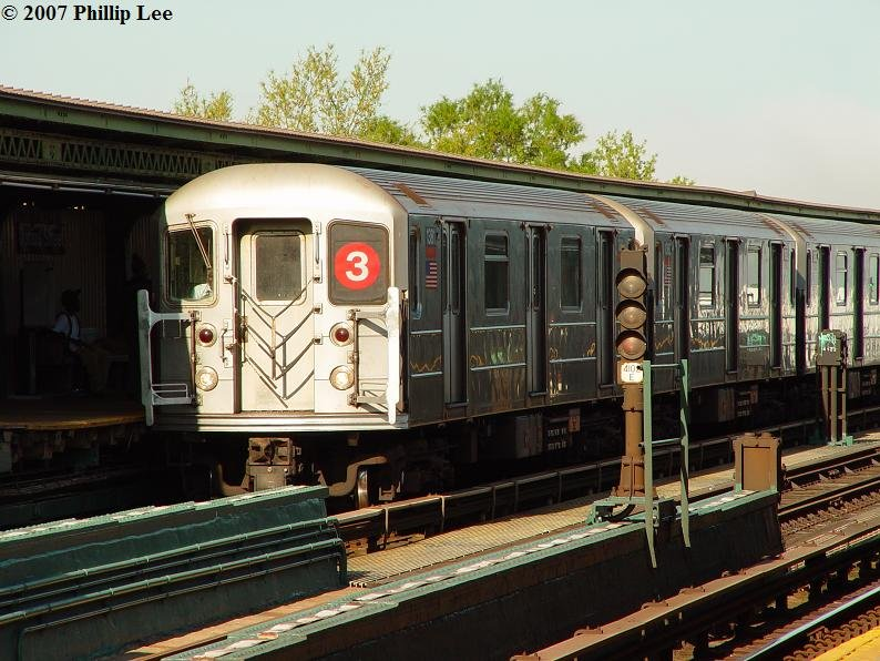 (105k, 794x596)<br><b>Country:</b> United States<br><b>City:</b> New York<br><b>System:</b> New York City Transit<br><b>Line:</b> IRT Brooklyn Line<br><b>Location:</b> Junius Street <br><b>Route:</b> 3<br><b>Car:</b> R-62 (Kawasaki, 1983-1985)   <br><b>Photo by:</b> Phillip Lee<br><b>Date:</b> 5/9/2007<br><b>Viewed (this week/total):</b> 1 / 2424