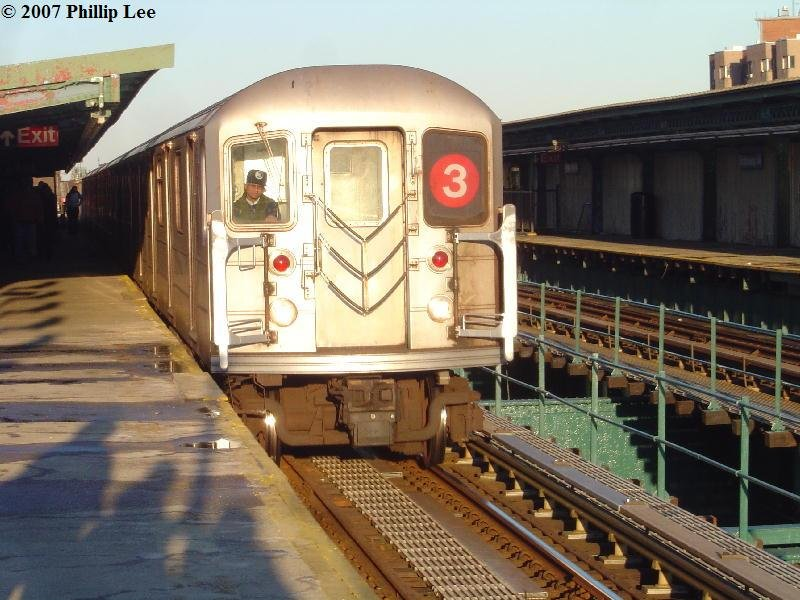 (104k, 800x600)<br><b>Country:</b> United States<br><b>City:</b> New York<br><b>System:</b> New York City Transit<br><b>Line:</b> IRT Brooklyn Line<br><b>Location:</b> Rockaway Avenue <br><b>Route:</b> 3<br><b>Car:</b> R-62 (Kawasaki, 1983-1985)   <br><b>Photo by:</b> Phillip Lee<br><b>Date:</b> 3/20/2007<br><b>Viewed (this week/total):</b> 1 / 2735