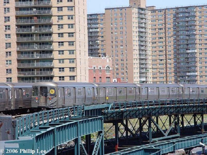 (154k, 800x600)<br><b>Country:</b> United States<br><b>City:</b> New York<br><b>System:</b> New York City Transit<br><b>Line:</b> BMT Brighton Line<br><b>Location:</b> West 8th Street <br><b>Route:</b> N<br><b>Car:</b> R-68 (Westinghouse-Amrail, 1986-1988)   <br><b>Photo by:</b> Phillip Lee<br><b>Date:</b> 4/29/2006<br><b>Viewed (this week/total):</b> 1 / 2742
