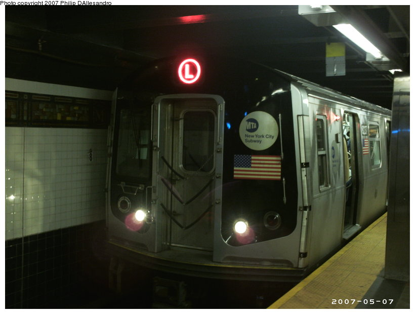 (80k, 820x620)<br><b>Country:</b> United States<br><b>City:</b> New York<br><b>System:</b> New York City Transit<br><b>Line:</b> BMT Canarsie Line<br><b>Location:</b> Myrtle Avenue <br><b>Route:</b> L<br><b>Car:</b> R-143 (Kawasaki, 2001-2002) 8237 <br><b>Photo by:</b> Philip D'Allesandro<br><b>Date:</b> 5/7/2007<br><b>Viewed (this week/total):</b> 0 / 2301