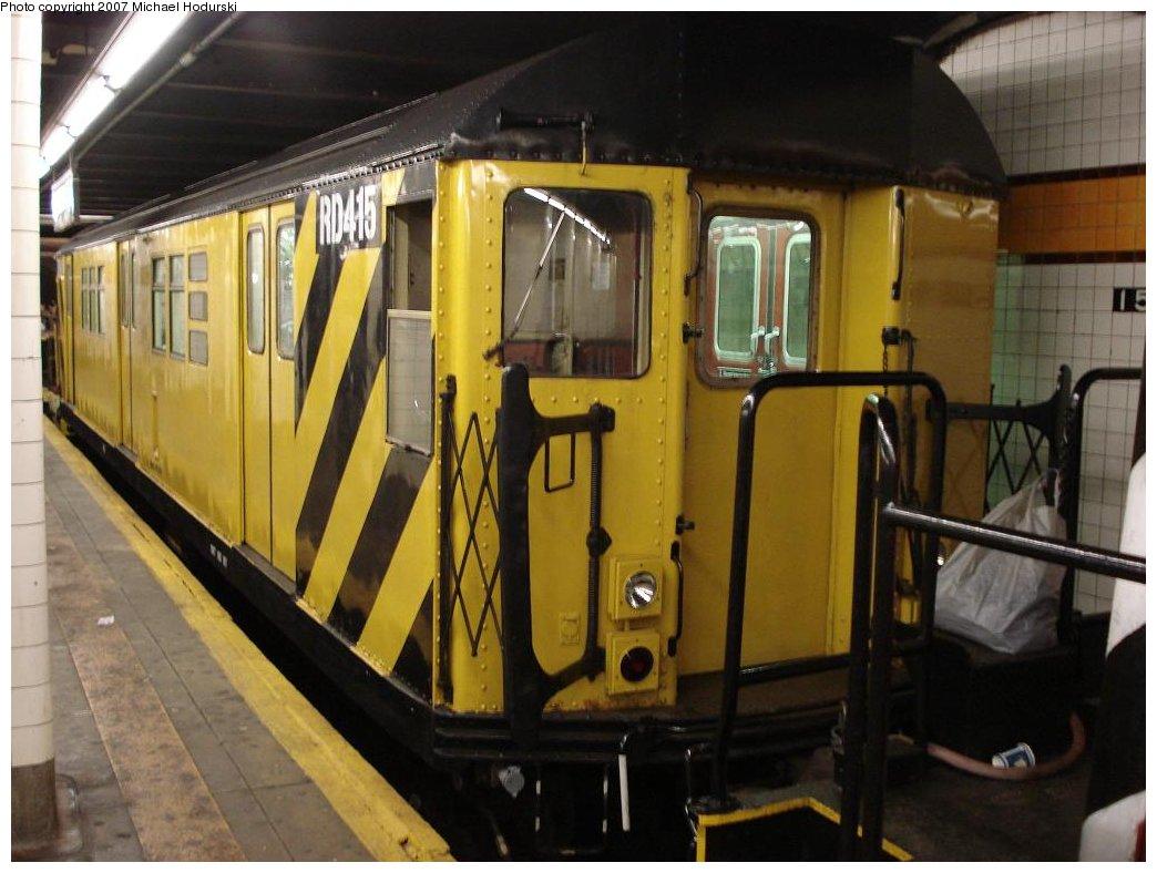 (160k, 1044x788)<br><b>Country:</b> United States<br><b>City:</b> New York<br><b>System:</b> New York City Transit<br><b>Line:</b> IND Crosstown Line<br><b>Location:</b> 15th Street/Prospect Park <br><b>Route:</b> Work Service<br><b>Car:</b> R-161 Rider Car (ex-R-33)  RD415 (ex-9021)<br><b>Photo by:</b> Michael Hodurski<br><b>Date:</b> 5/19/2007<br><b>Viewed (this week/total):</b> 1 / 2103