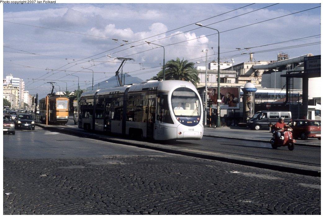 (158k, 1044x703)<br><b>Country:</b> Italy<br><b>City:</b> Naples<br><b>System:</b> Napoli ATAN<br><b>Location:</b> Via Nuova Marina & Via Duomo <br><b>Car:</b> Naples Tram 1110 <br><b>Photo by:</b> Ian Folkard<br><b>Date:</b> 10/8/2006<br><b>Viewed (this week/total):</b> 0 / 1414