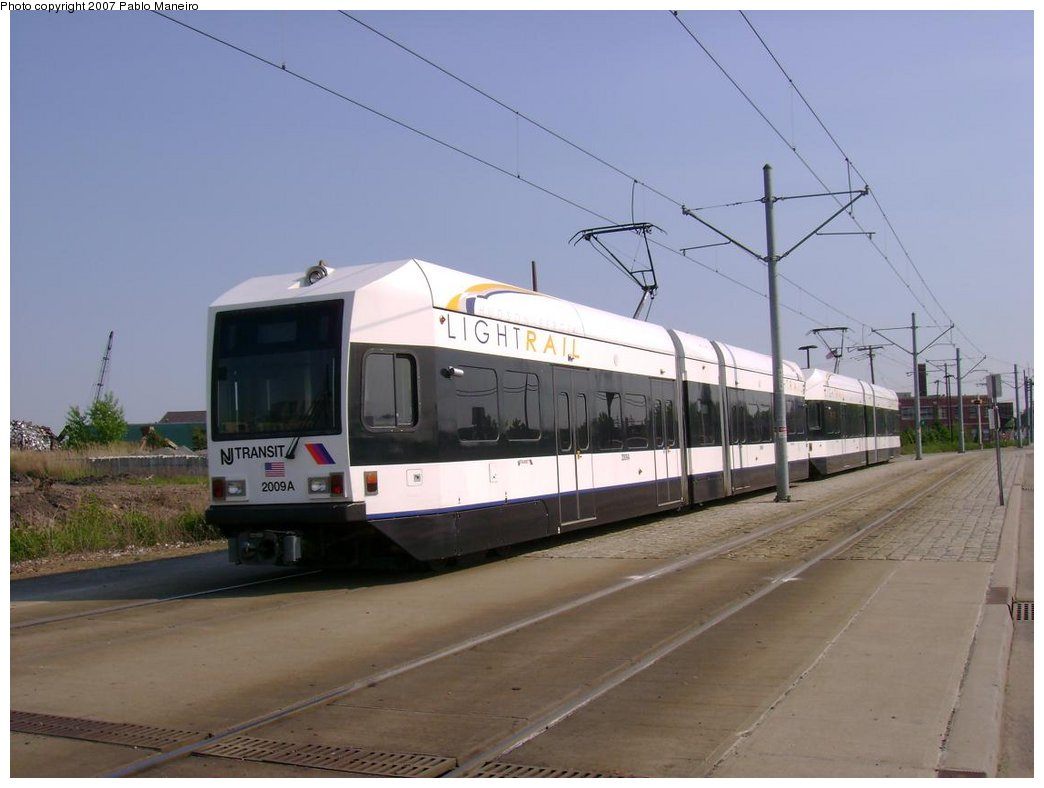 (136k, 1044x788)<br><b>Country:</b> United States<br><b>City:</b> Jersey City, NJ<br><b>System:</b> Hudson Bergen Light Rail<br><b>Location:</b> Jersey Avenue <br><b>Car:</b> NJT-HBLR LRV (Kinki-Sharyo, 1998-99)  2009 <br><b>Photo by:</b> Pablo Maneiro<br><b>Date:</b> 5/25/2007<br><b>Viewed (this week/total):</b> 1 / 1263