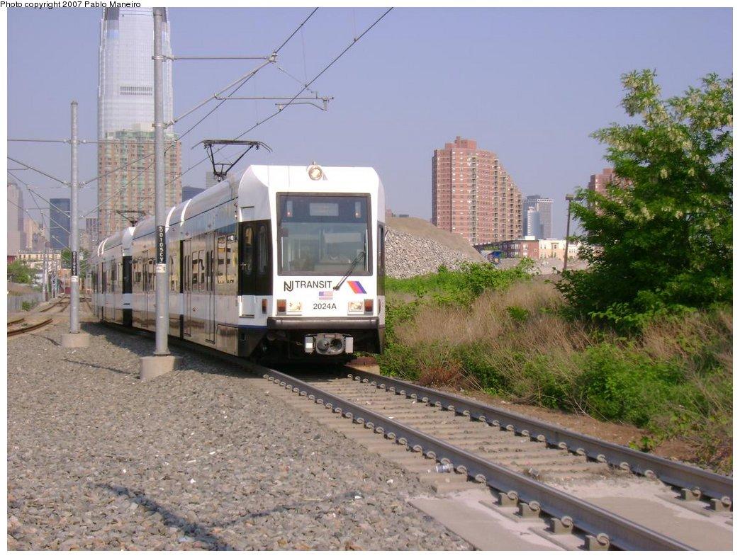 (197k, 1044x788)<br><b>Country:</b> United States<br><b>City:</b> Jersey City, NJ<br><b>System:</b> Hudson Bergen Light Rail<br><b>Location:</b> Jersey Avenue <br><b>Car:</b> NJT-HBLR LRV (Kinki-Sharyo, 1998-99)  2024 <br><b>Photo by:</b> Pablo Maneiro<br><b>Date:</b> 5/25/2007<br><b>Viewed (this week/total):</b> 1 / 1446