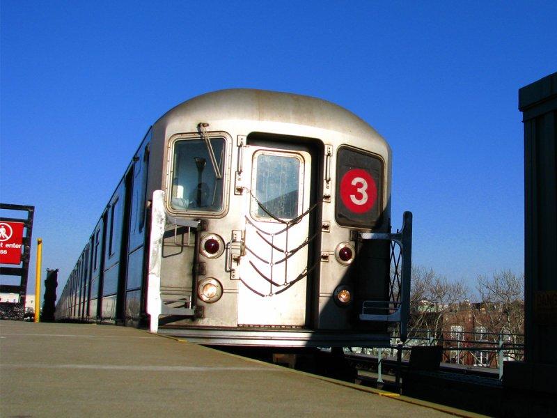 (93k, 800x600)<br><b>Country:</b> United States<br><b>City:</b> New York<br><b>System:</b> New York City Transit<br><b>Line:</b> IRT Brooklyn Line<br><b>Location:</b> Pennsylvania Avenue <br><b>Route:</b> 3<br><b>Car:</b> R-62 (Kawasaki, 1983-1985)   <br><b>Photo by:</b> Bill E.<br><b>Date:</b> 3/7/2010<br><b>Viewed (this week/total):</b> 0 / 1460