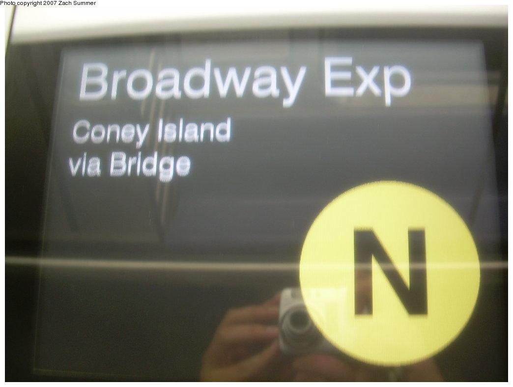 (111k, 1044x788)<br><b>Country:</b> United States<br><b>City:</b> New York<br><b>System:</b> New York City Transit<br><b>Route:</b> N<br><b>Car:</b> R-160A/R-160B Series (Number Unknown) Interior <br><b>Photo by:</b> Zach Summer<br><b>Date:</b> 5/15/2007<br><b>Viewed (this week/total):</b> 1 / 1627