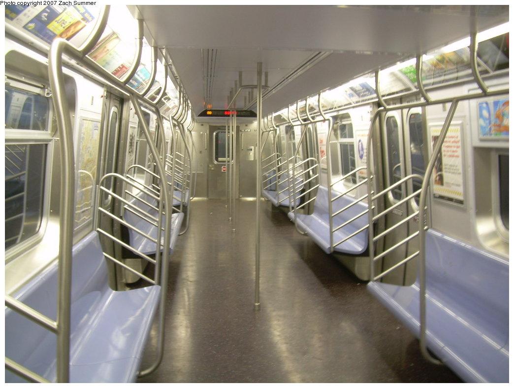 (188k, 1044x788)<br><b>Country:</b> United States<br><b>City:</b> New York<br><b>System:</b> New York City Transit<br><b>Route:</b> N<br><b>Car:</b> R-160A/R-160B Series (Number Unknown) Interior <br><b>Photo by:</b> Zach Summer<br><b>Date:</b> 5/18/2007<br><b>Viewed (this week/total):</b> 2 / 2403