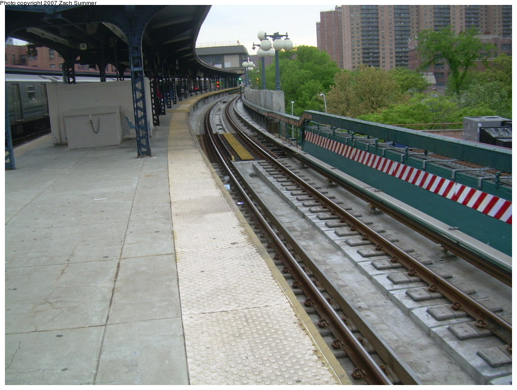 (219k, 1044x788)<br><b>Country:</b> United States<br><b>City:</b> New York<br><b>System:</b> New York City Transit<br><b>Line:</b> BMT Brighton Line<br><b>Location:</b> Ocean Parkway <br><b>Photo by:</b> Zach Summer<br><b>Date:</b> 5/18/2007<br><b>Notes:</b> New trackwork at Ocean Parkway.<br><b>Viewed (this week/total):</b> 1 / 1414
