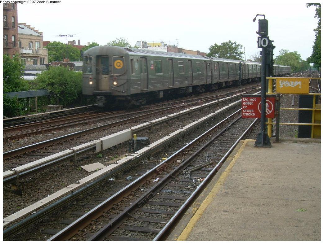 (242k, 1044x788)<br><b>Country:</b> United States<br><b>City:</b> New York<br><b>System:</b> New York City Transit<br><b>Line:</b> BMT Brighton Line<br><b>Location:</b> Kings Highway <br><b>Route:</b> Q<br><b>Car:</b> R-68A (Kawasaki, 1988-1989)  5006 <br><b>Photo by:</b> Zach Summer<br><b>Date:</b> 5/19/2007<br><b>Viewed (this week/total):</b> 0 / 1485