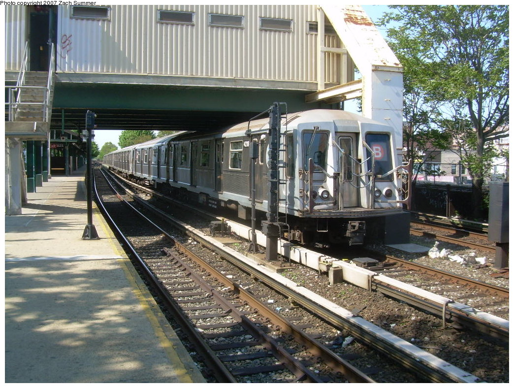 (296k, 1044x788)<br><b>Country:</b> United States<br><b>City:</b> New York<br><b>System:</b> New York City Transit<br><b>Line:</b> BMT Brighton Line<br><b>Location:</b> Kings Highway <br><b>Route:</b> B<br><b>Car:</b> R-40 (St. Louis, 1968)  4218 <br><b>Photo by:</b> Zach Summer<br><b>Date:</b> 5/23/2007<br><b>Viewed (this week/total):</b> 1 / 1729