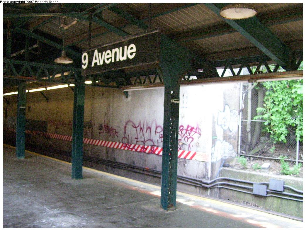 (225k, 1044x788)<br><b>Country:</b> United States<br><b>City:</b> New York<br><b>System:</b> New York City Transit<br><b>Line:</b> BMT West End Line<br><b>Location:</b> 9th Avenue <br><b>Photo by:</b> Roberto C. Tobar<br><b>Date:</b> 5/26/2007<br><b>Notes:</b> Platform view.<br><b>Viewed (this week/total):</b> 0 / 1424