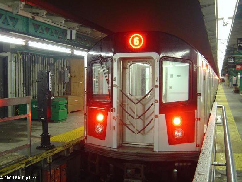(97k, 800x600)<br><b>Country:</b> United States<br><b>City:</b> New York<br><b>System:</b> New York City Transit<br><b>Line:</b> IRT Pelham Line<br><b>Location:</b> Pelham Bay Park <br><b>Route:</b> 6<br><b>Car:</b> R-142 or R-142A (Number Unknown)  <br><b>Photo by:</b> Phillip Lee<br><b>Date:</b> 1/31/2006<br><b>Viewed (this week/total):</b> 1 / 3759
