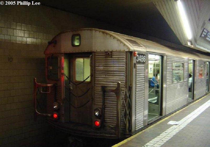 (74k, 800x559)<br><b>Country:</b> United States<br><b>City:</b> New York<br><b>System:</b> New York City Transit<br><b>Line:</b> IND Queens Boulevard Line<br><b>Location:</b> Jamaica Center/Parsons-Archer <br><b>Route:</b> E<br><b>Car:</b> R-32 (Budd, 1964)  3486 <br><b>Photo by:</b> Phillip Lee<br><b>Date:</b> 6/7/2005<br><b>Viewed (this week/total):</b> 0 / 2262