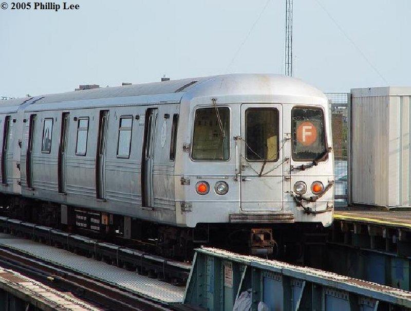 (98k, 800x605)<br><b>Country:</b> United States<br><b>City:</b> New York<br><b>System:</b> New York City Transit<br><b>Line:</b> BMT Culver Line<br><b>Location:</b> Bay Parkway (22nd Avenue) <br><b>Route:</b> F<br><b>Car:</b> R-46 (Pullman-Standard, 1974-75)  <br><b>Photo by:</b> Phillip Lee<br><b>Date:</b> 7/28/2006<br><b>Viewed (this week/total):</b> 2 / 1453