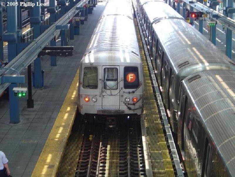 (107k, 800x601)<br><b>Country:</b> United States<br><b>City:</b> New York<br><b>System:</b> New York City Transit<br><b>Location:</b> Coney Island/Stillwell Avenue<br><b>Route:</b> F<br><b>Car:</b> R-46 (Pullman-Standard, 1974-75)  <br><b>Photo by:</b> Phillip Lee<br><b>Date:</b> 6/28/2005<br><b>Viewed (this week/total):</b> 0 / 1891