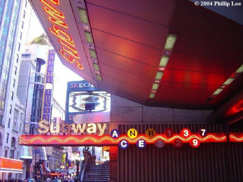 (96k, 800x599)<br><b>Country:</b> United States<br><b>City:</b> New York<br><b>System:</b> New York City Transit<br><b>Line:</b> IRT West Side Line<br><b>Location:</b> Times Square/42nd Street <br><b>Photo by:</b> Phillip Lee<br><b>Date:</b> 12/24/2004<br><b>Notes:</b> Station entrance.<br><b>Viewed (this week/total):</b> 2 / 1546