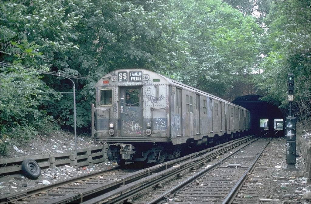 (293k, 1024x672)<br><b>Country:</b> United States<br><b>City:</b> New York<br><b>System:</b> New York City Transit<br><b>Line:</b> BMT Franklin<br><b>Location:</b> Botanic Garden <br><b>Route:</b> Franklin Shuttle<br><b>Car:</b> R-27 (St. Louis, 1960)  8189 <br><b>Photo by:</b> Steve Zabel<br><b>Collection of:</b> Joe Testagrose<br><b>Date:</b> 6/19/1982<br><b>Viewed (this week/total):</b> 2 / 2714