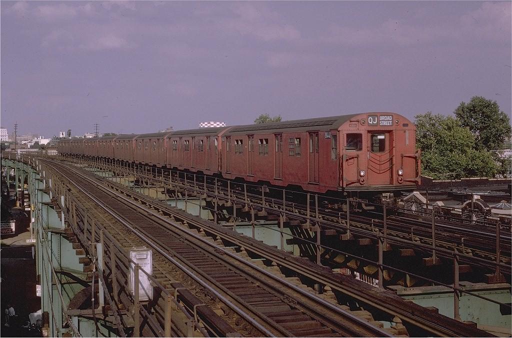 (234k, 1024x676)<br><b>Country:</b> United States<br><b>City:</b> New York<br><b>System:</b> New York City Transit<br><b>Line:</b> BMT Nassau Street/Jamaica Line<br><b>Location:</b> 121st Street <br><b>Route:</b> QJ<br><b>Car:</b> R-30 (St. Louis, 1961) 8441 <br><b>Photo by:</b> Joe Testagrose<br><b>Date:</b> 8/2/1970<br><b>Viewed (this week/total):</b> 1 / 2633