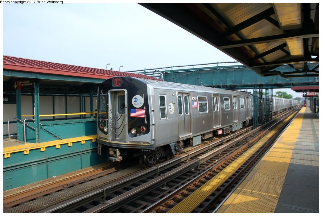 (213k, 1044x700)<br><b>Country:</b> United States<br><b>City:</b> New York<br><b>System:</b> New York City Transit<br><b>Line:</b> BMT Canarsie Line<br><b>Location:</b> Livonia Avenue <br><b>Route:</b> L<br><b>Car:</b> R-143 (Kawasaki, 2001-2002) 8292 <br><b>Photo by:</b> Brian Weinberg<br><b>Date:</b> 5/28/2007<br><b>Viewed (this week/total):</b> 2 / 2686