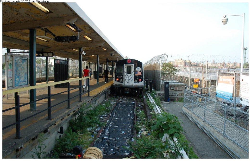(217k, 1044x669)<br><b>Country:</b> United States<br><b>City:</b> New York<br><b>System:</b> New York City Transit<br><b>Line:</b> BMT Canarsie Line<br><b>Location:</b> Rockaway Parkway <br><b>Route:</b> L<br><b>Car:</b> R-143 (Kawasaki, 2001-2002) 8212 <br><b>Photo by:</b> Brian Weinberg<br><b>Date:</b> 5/28/2007<br><b>Viewed (this week/total):</b> 0 / 4392