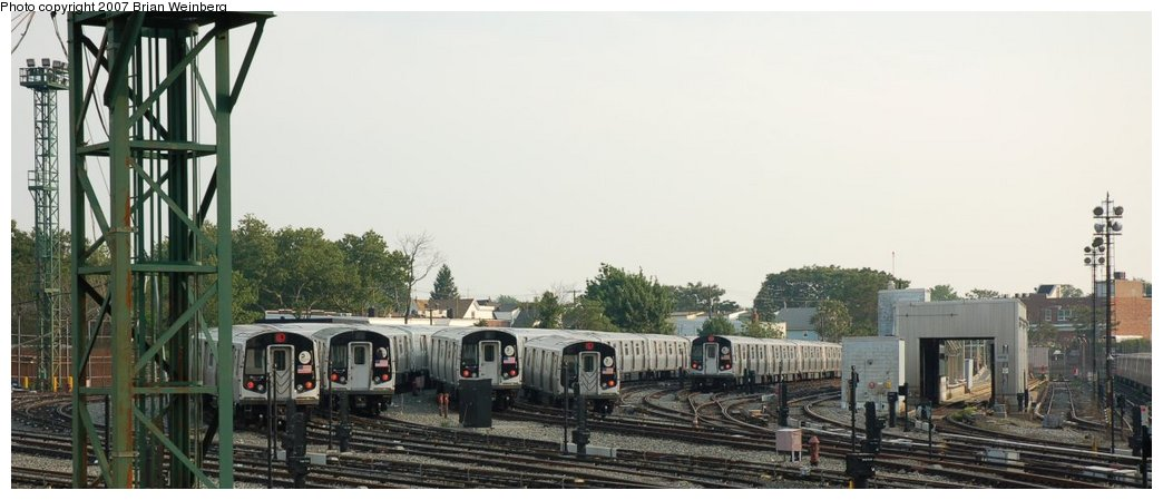 (157k, 1044x449)<br><b>Country:</b> United States<br><b>City:</b> New York<br><b>System:</b> New York City Transit<br><b>Location:</b> Rockaway Parkway (Canarsie) Yard<br><b>Car:</b> R-143 (Kawasaki, 2001-2002)  <br><b>Photo by:</b> Brian Weinberg<br><b>Date:</b> 5/28/2007<br><b>Viewed (this week/total):</b> 4 / 2409