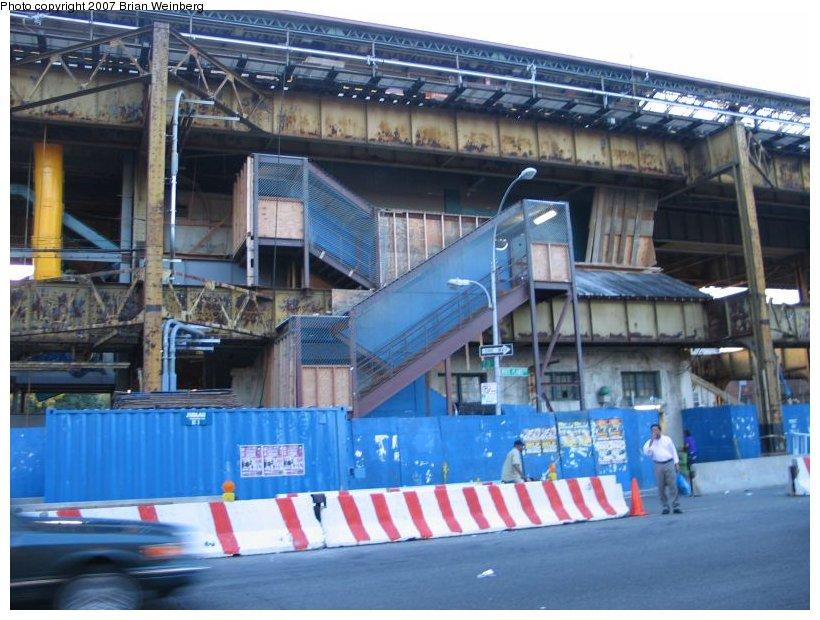 (123k, 820x620)<br><b>Country:</b> United States<br><b>City:</b> New York<br><b>System:</b> New York City Transit<br><b>Line:</b> IRT White Plains Road Line<br><b>Location:</b> Gun Hill Road <br><b>Photo by:</b> Brian Weinberg<br><b>Date:</b> 9/7/2004<br><b>Notes:</b> Gun Hill Rd. station during reconstruction.<br><b>Viewed (this week/total):</b> 0 / 2159